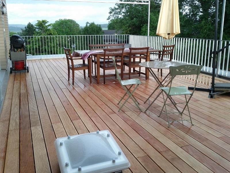 aménagement extérieur ça a été la pose de la terrasse en bois